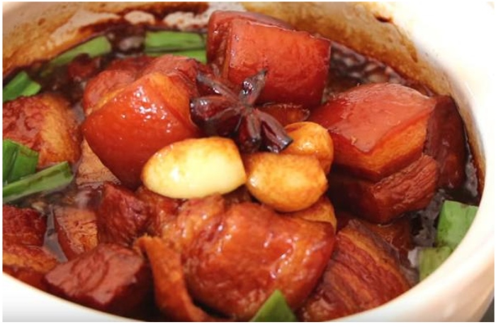 Cách kho thịt kho tàu mềm ngon chuẩn vị tại nhà; Mẹo kho thịt nhanh mềm; Cách kho thịt kho tàu truyền thống; Cách làm thịt kho tàu không cần nước dừa; Cách làm thịt kho tàu Trung Quốc.
