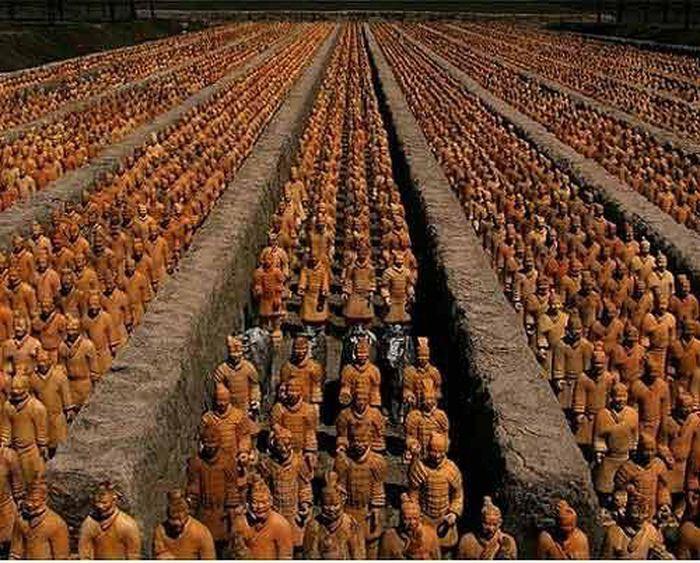 Tần Vương Cung; Tần Vương Vân tịch truyện; đội quân đất sét; đội quân đất nung