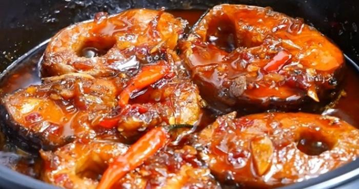 Cá tầm kho riềng và cá tầm kho tộ; tầm kho xì dầu; Cá tầm kho dưa cải; Cá tầm sốt cà chua; Món ngon từ cá tầm.
