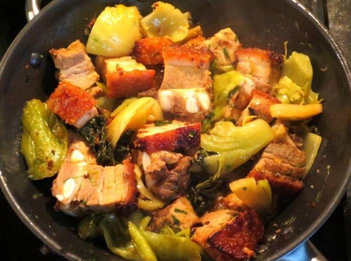 Cách kho thịt heo quay cải chua; heo quay làm món gì ngon; Cách kho giò heo quay; Heo quay kho củ cải trắng; Cách kho vịt quay.