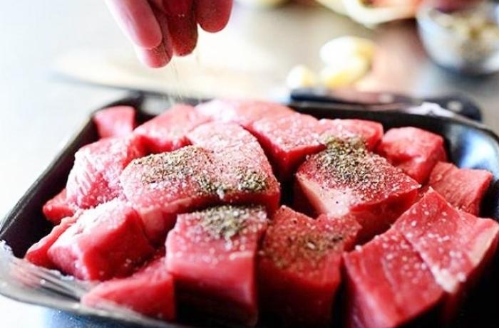 Cách làm bò hầm; đơn giản; dễ thực hiện; tại nhà; đậm đà hương vị; ngon; mỗi ngày; sạch; chín;