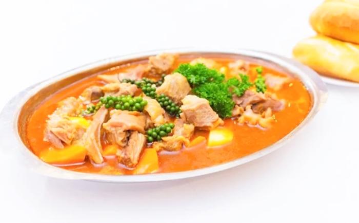 Cách nấu bò hầm tiêu xanh ngon miệng dễ làm; bảo quản được bao lâu; ăn kèm; các bước;  thành phẩm;