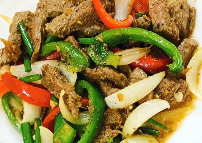 Cách nấu bò sốt tiêu đen đậm đà hương vị; bò sốt vang; bò sốt hàu; bò sốt tiêu đen; bò sốt vang kiểu Pháp; bò sốt cà chua; bò sốt cay.