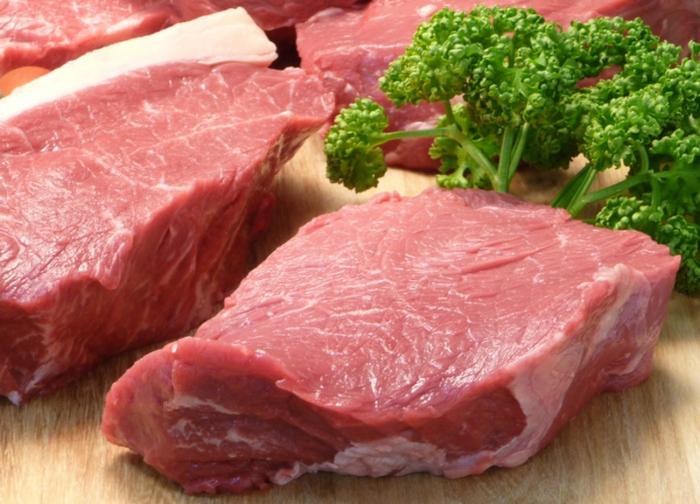 Bún nước lèo; Cách chon thịt ngon, nên chọn mua thịt lợn có màu hồng tươi, không thấy mùi lạ,