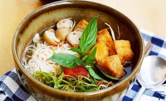 Cách nấu bún thái chay chua cay; nấu nước lèo chay; Cách nấu bún sả chay; Cách nấu bún nước lèo chay; Cách làm bún Huế chay.