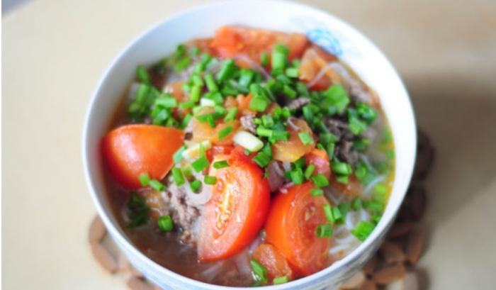 Cách nấu bún thịt nạc; nấu bún thịt heo xayl; Cách nấu bún cà chua chay; Bún cà chua trứng; Cách nấu bún tôm cà chua.