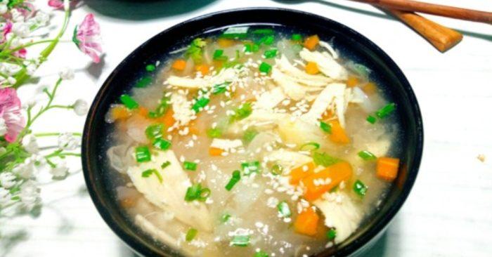 Cách nấu súp nấm tuyết gà thơm ngon, bổ dưỡng