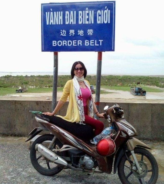 Hành trình xuyên Việt ba lần bằng xe máy của người phụ nữ U60