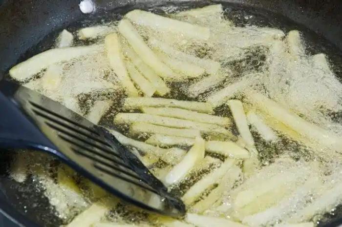Khoai tây chiên nước mắm; làm sốt phô mai chấm gà; Cách làm sốt phô mai khoai tây; Khoai tây chiên số; Khoai tây chiên phô mai con bò cười.