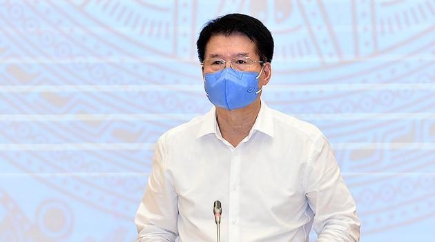 Thứ trưởng Bộ Y tế Trương Quốc Cường cho biết, lô vắc xin Covid-19 đang về Việt Nam thì được điều chuyển sang Lào, Campuchia (ảnh chụp màn hình)
