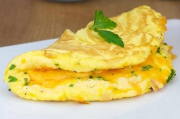 Cách cuộn trứng không bị vỡ, Chiên có cần dầu không, xào khổ, bằng chảo vuông, lửa to hãy nhỏ.