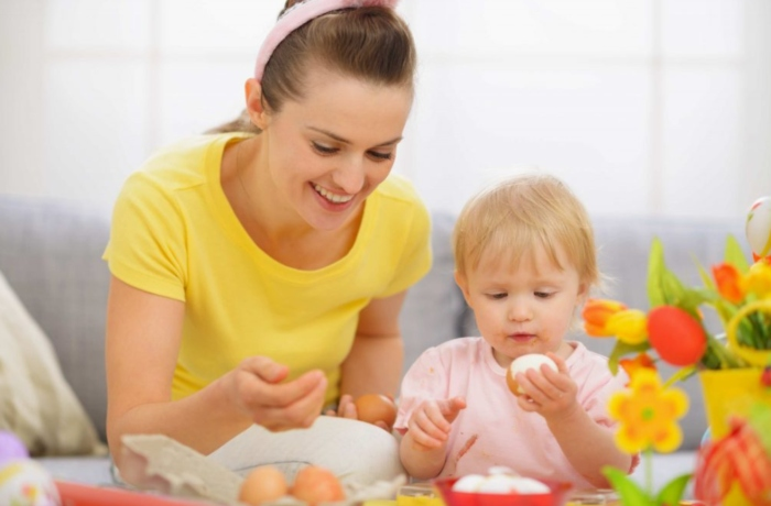 trẻ em ăn trứng gà ngâm mật ong, có tốt không, được không, có nên, lòng trắng, bị sốt có nên.