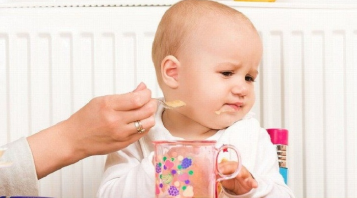 Có nên cho sữa công thức vào cháo, trộn, trộn váng, bột an dặm, món ăn dặm với, chế biến món ăn.