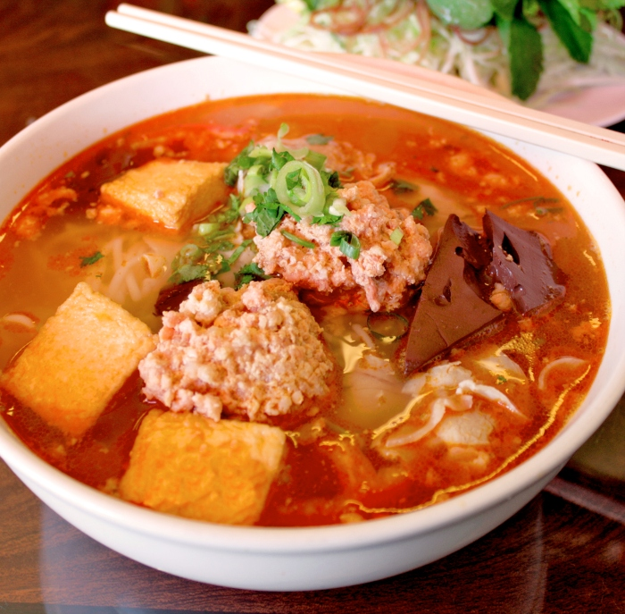 Cách nấu bún riêu thịt heo thơm ngon, món ăn, trổ tài, nội trợ, phụ nữ việt nam, mẹo nấu, cách làm.