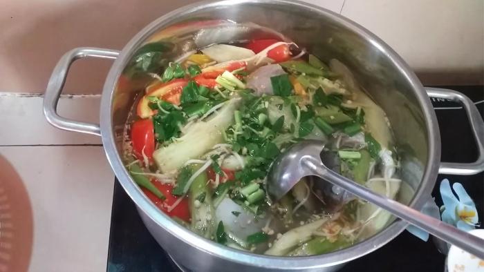 Nấu canh chua thịt băm, xem nau an nhat ban, những món ăn đơn giản cho sinh viên, nhanh de lam.