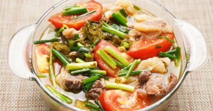 Cách nấu canh dưa bò; thịt hầm; cải chua; sườn; ăn với gì; bao nhiêu calo; dứa; bắp; chua; ngon đậm;