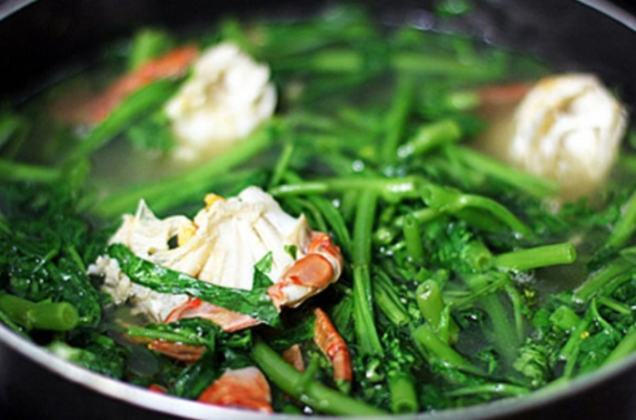 nấu rau muống với hến, trứng, tôm khô, xanh giòn, đúng cách, lấy nước, với cà chua, bị vàng.