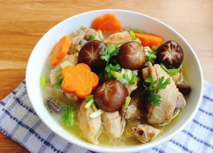Nấu canh nấm rơm với thịt; món ăn; bổ dưỡng; đơn giản; chuẩn vị; thơm ngon; tốt cho sức khỏe; nhà;