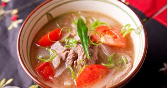 Thịt bò nấu cà chua; món gì; đơn giản tại nhà; đậm đà hương vị; bớt chua; sơ chế; hấp dẫn; Sài Gòn;