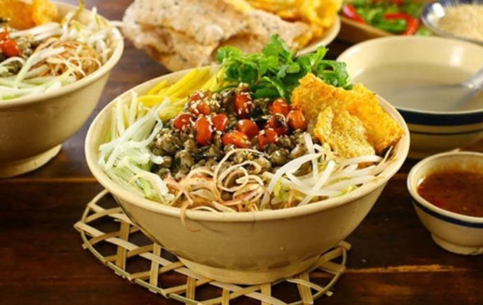 Cách nấu cơm hến ngon chuẩn vị xứ Huế, thuc don mon an ngon moi ngay, cam nang nau an, hoàn chỉnh.