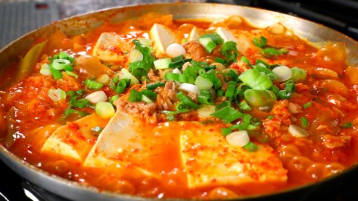Nấu kim chi thịt bò với đậu phụ chuẩn vị Hàn Quốc, an hang ngay, cach lam mon an, nhà làm; mẹo chọn;