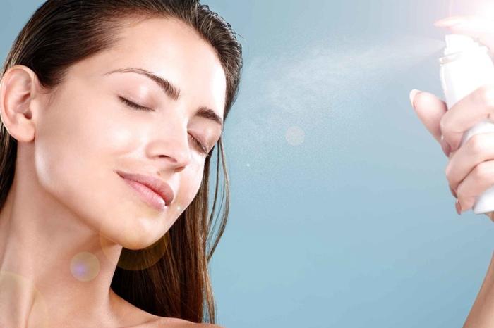 Chăm sóc làn da tuyệt vời với xịt khoáng nha đam, sức khỏe, mật ong, đặc biệt, làm, đau dạ dày, đẹp.