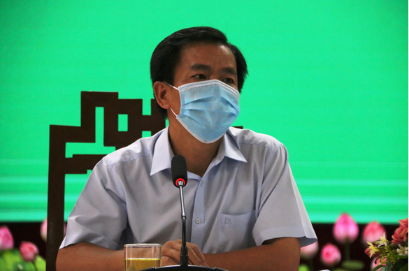 Ông Nguyễn Văn Phương, chủ tịch UBND tỉnh Thừa Thiên Huế khẳng định không cấm đoán người từ vùng dịch trở về địa phương