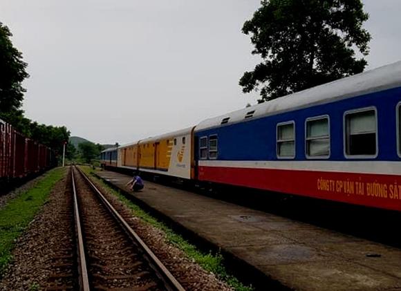Tạm dừng bán vé tàu cho hành khách từ Sài Gòn đi Huế từ ngày 6/7.