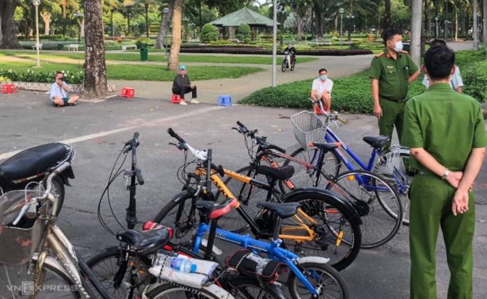 TP. HCM: Nhiều người bị phạt 1-3 triệu đồng vì ra đường tập thể dục